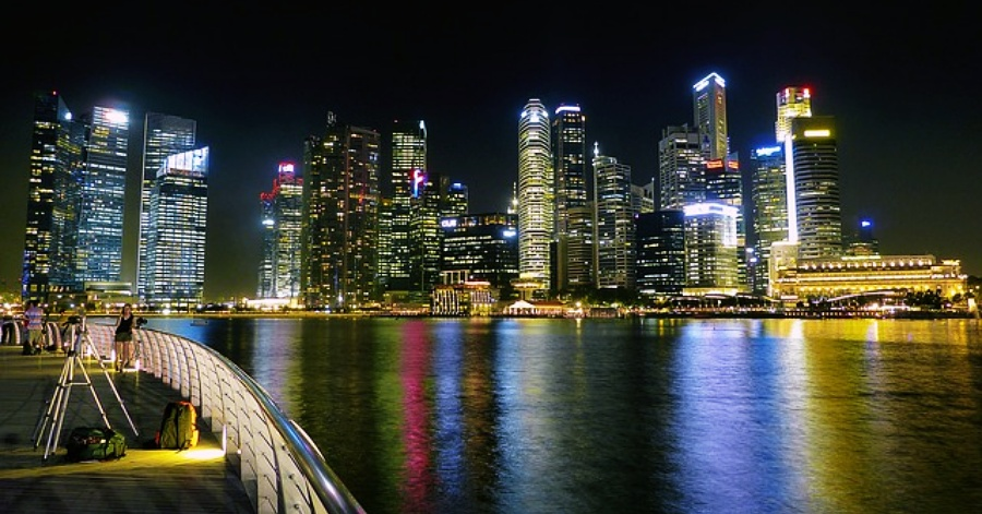 SG Bans All Tourists from Visiting As Imported Coronavirus Cases Rise
