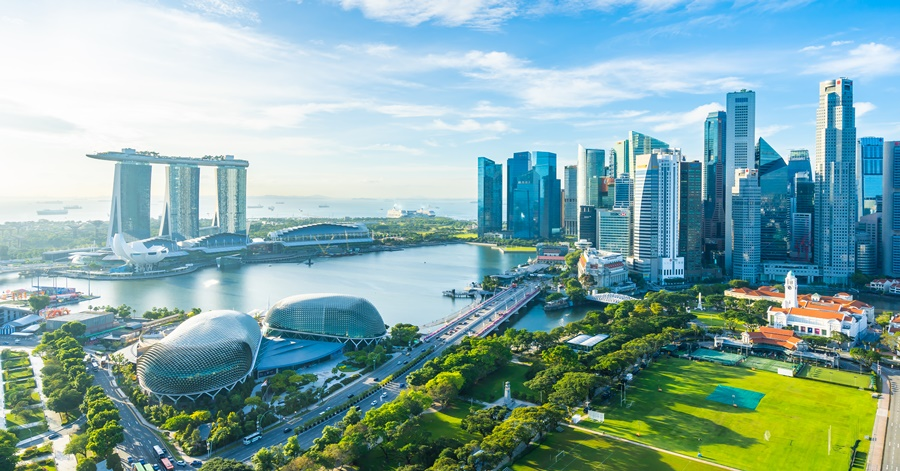 What Are the 5 Communities Popular Among Expats in Singapore?