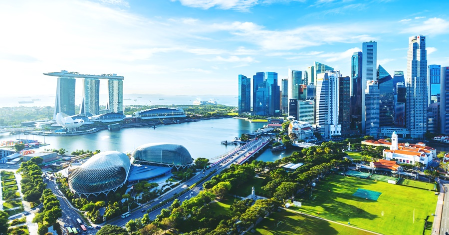 What is the Monthly Salary of a Filipino in Singapore?